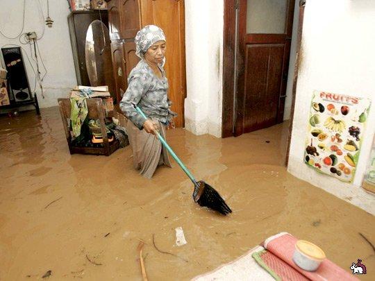 придя в свою квартиру затопили